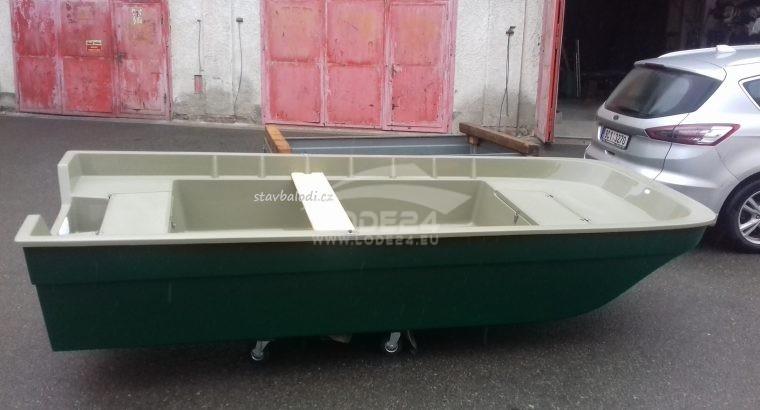 Rybářský člun Karolina 370