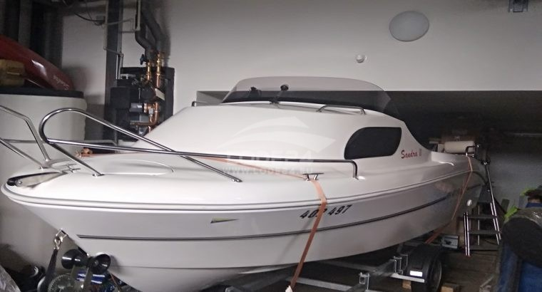 Motorový člun An 480 Ka