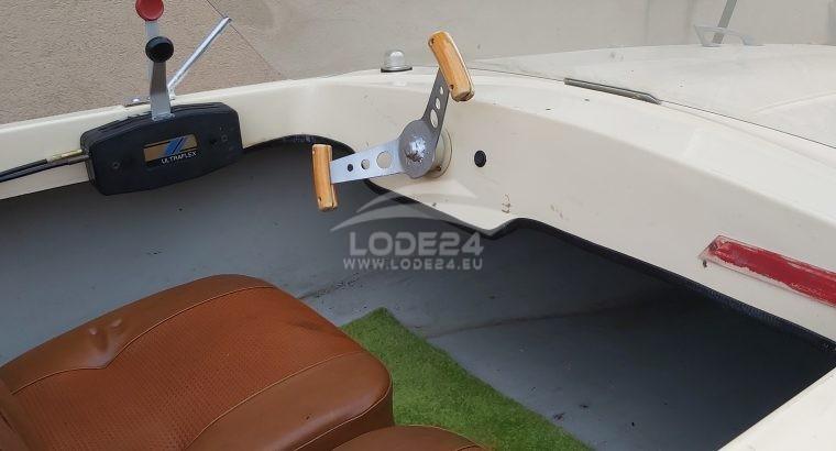 Prodám laminátový člun české v