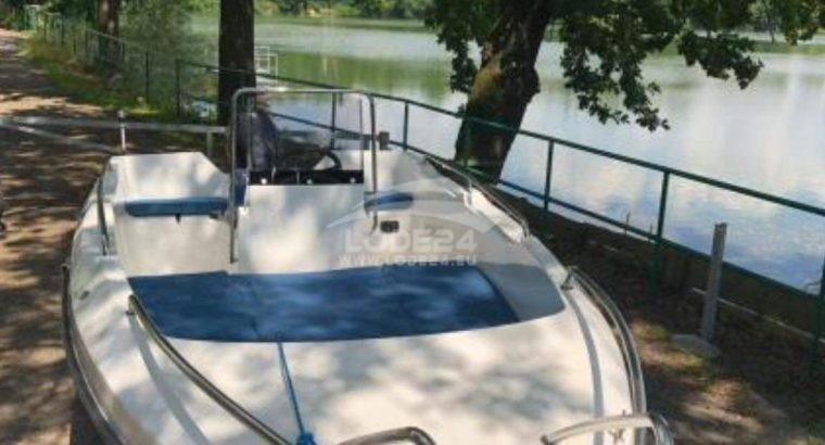 Motorový člun Gale 550 open