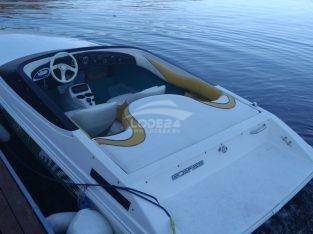 Motorový člun SCARAB
