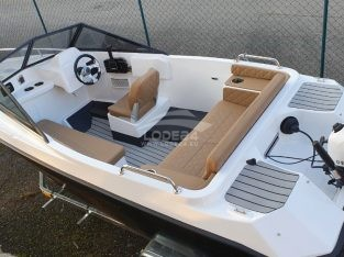 Motorový Člun USA Flipper