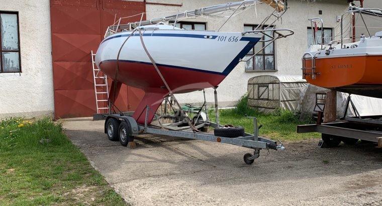 Prodám kajutovou plachetnici
